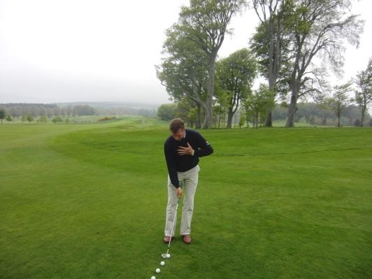 One handed chipping drills | Powerscourt Golf Club
